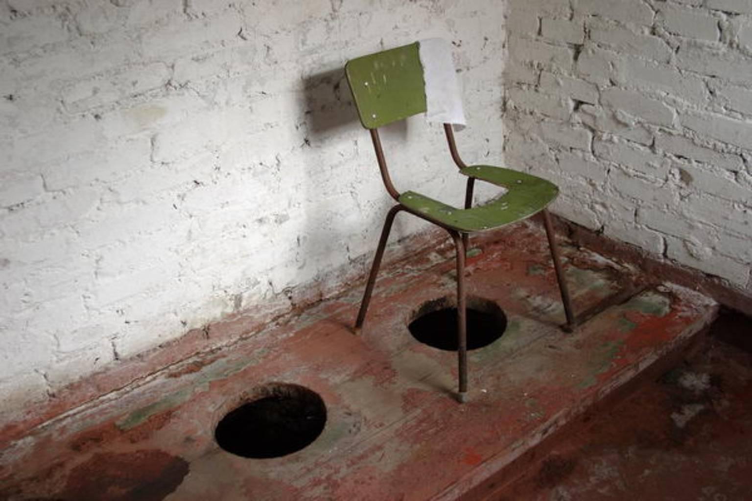 Фото грязных туалетов 3 фотография