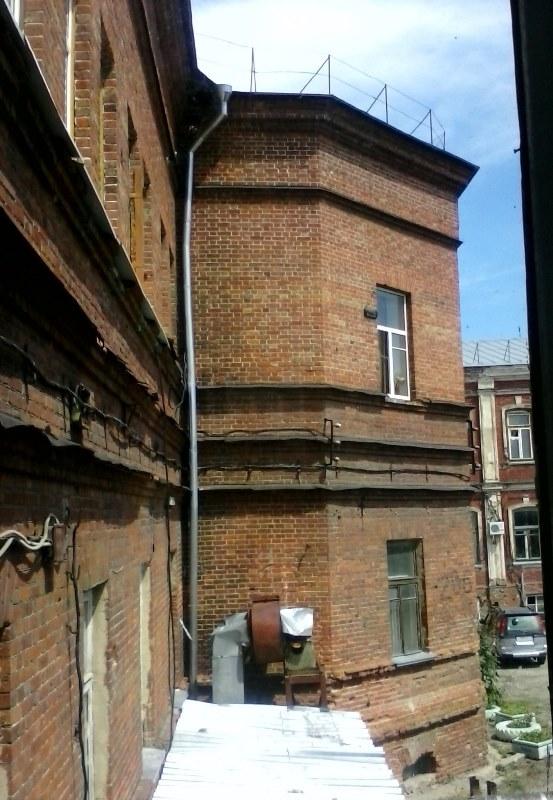 10. Выступ с восточной стороны для алтаря на 2-ом этаже в здании бывшего ремесленного училища Орлова-Давыдова.