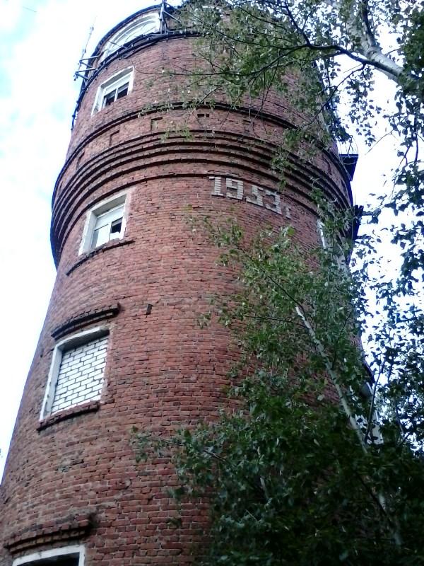 13. Водонапорная башня на улице Жуковского на Верхней Террасе.