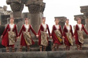 Армянский танцевальный флешмоб @ На территории около ЗАГСА на Московском шоссе (северо-восточнее д. №81)