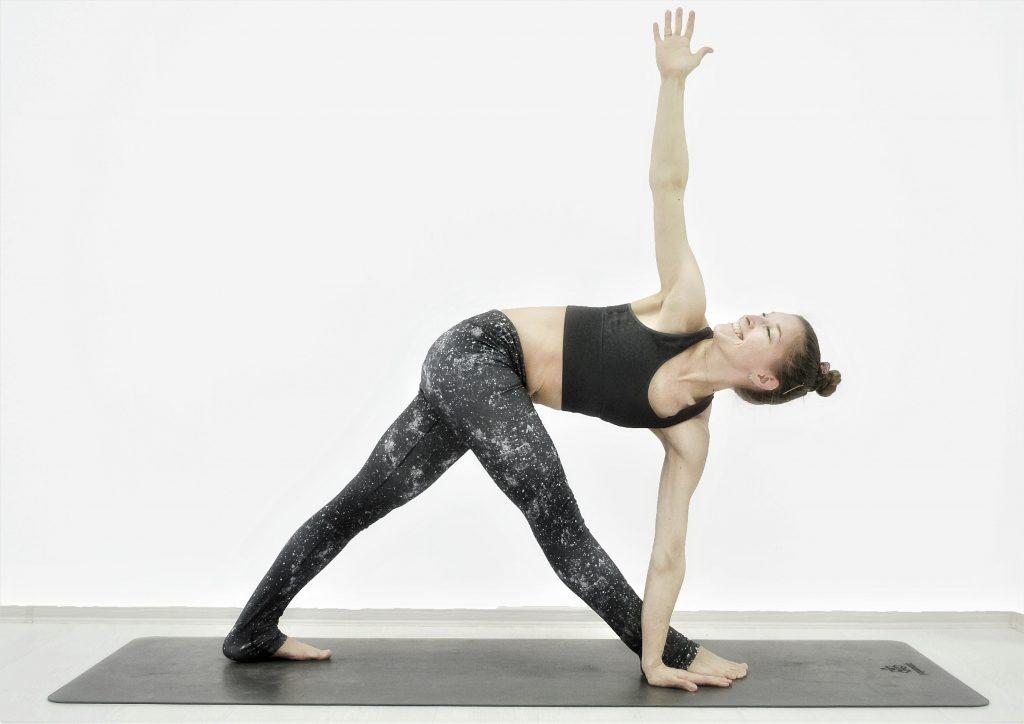 Открытая онлайн-тренировка по йоге  «Здоровье стоп»