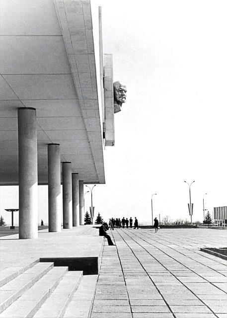 Открытие фотовыставки «Мемориал над Волгой» @ галерея Большого зала Ленинского мемориала (3 этаж)