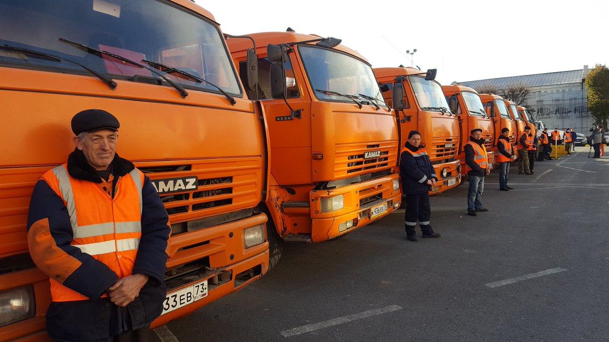 Ночью 1ноября улицы Ульяновска отснега очищали 40 единиц специальной техники