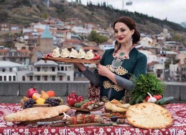 Кулинарный мастер-класс по приготовлению традиционных грузинских блюд от Тинатин Ломинадзе @ Nino ресторан кавказской кухни (ул. Гончарова, 18)