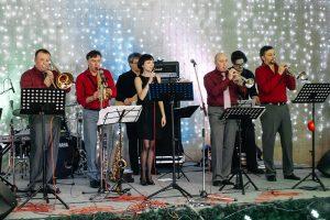 Выступление джаз-ансамбля «Академик Бэнд» с джазовыми и эстрадными хитами @ ТРЦ Аквамолл (Московское шоссе, д. 108)