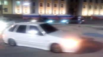 Покатушки на площади Ленина - YouячTube - Google Chrome