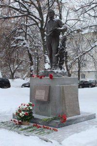 Торжественный митинг и возложение цветов к памятнику художника А.А. Пластова @ Бульвар Пластова