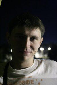 Живая музыка на бранче в Records, выступает Владимир Осипов @ «Records Music Pub» (ул. Гончарова, 48)