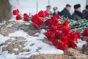 Торжественная церемония возложения цветов в сквере 60-летия Победы @ в сквере 60-летия Победы