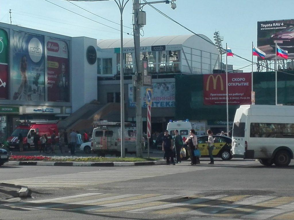 Угроза терроризма? ВУльяновске эвакуировали большие торговые центры и ж/д вокзал